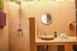 Mozambeat Motel private ensuite cabins, Diana Ross 4