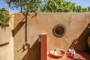 Mozambeat Motel private ensuite cabins, Mick Jagger 4